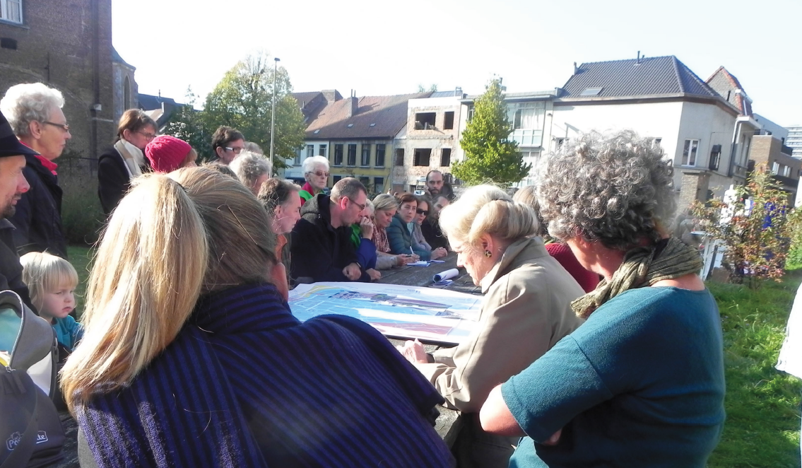 Inhabitants in debate with the deputy Mayor in Ghent