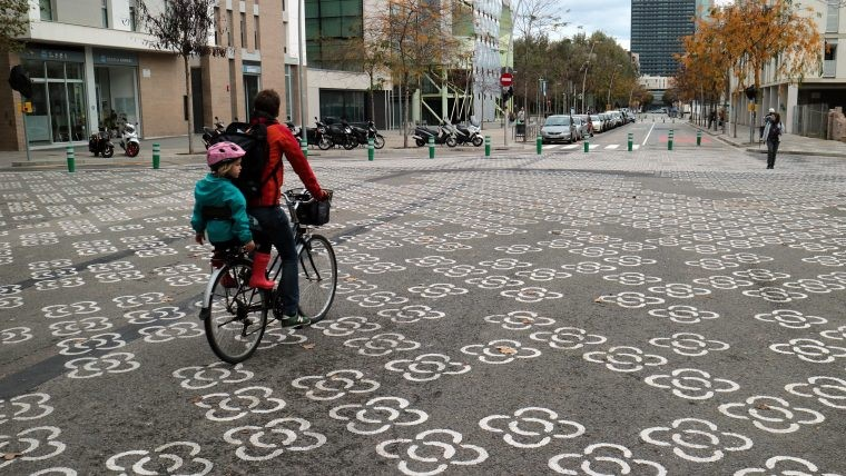 Barcelona's superblocks programme aims to improve gender perspective in public space with more trees, more pedestrian space, less noise and pollution. The programme used satisfaction surveys on the use of the public space.