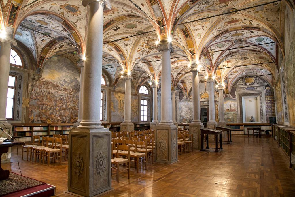 Parma San Giovanni Library