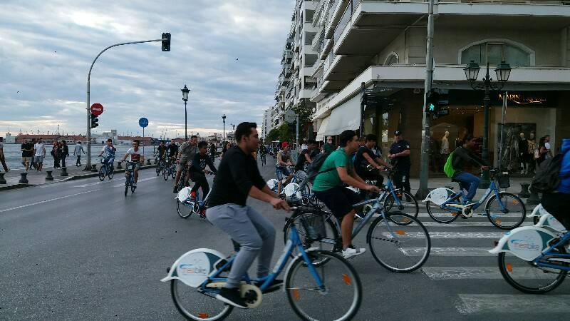 https://urbact.eu/sites/default/files/media/tessaloniki_bikes_sea.jpg
